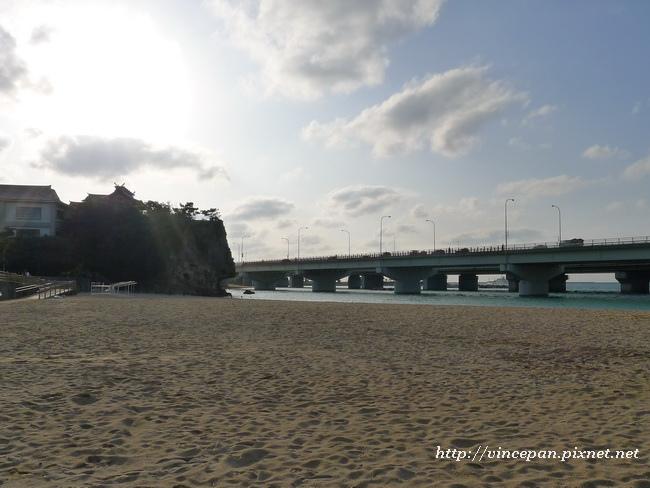 波之上海灘 看波上宮