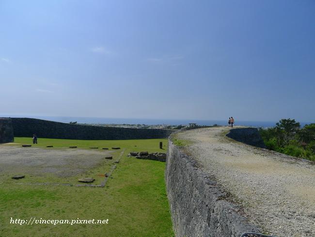 登上城牆2