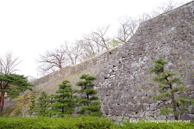 花崗岩石牆1