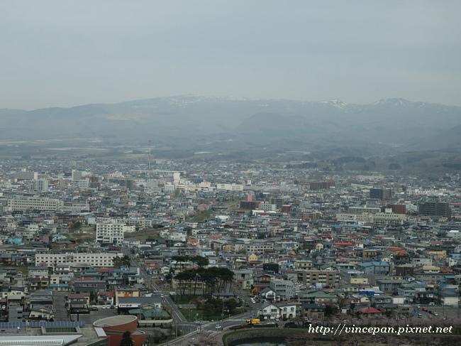 眺望市區 山