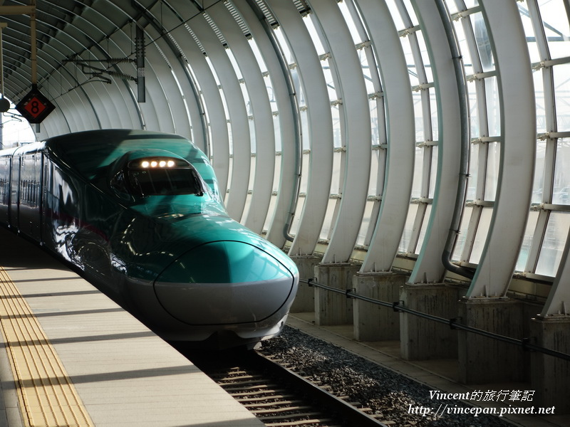 新幹線はやぶさ