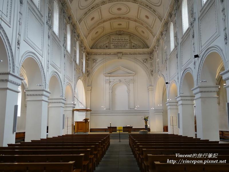 普雷迪格教堂內部1