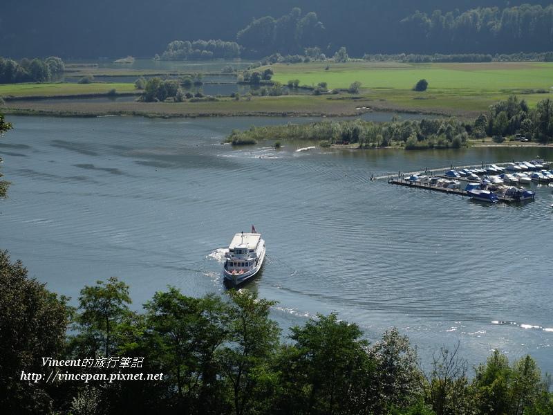 遊艇離開Alpnachstad