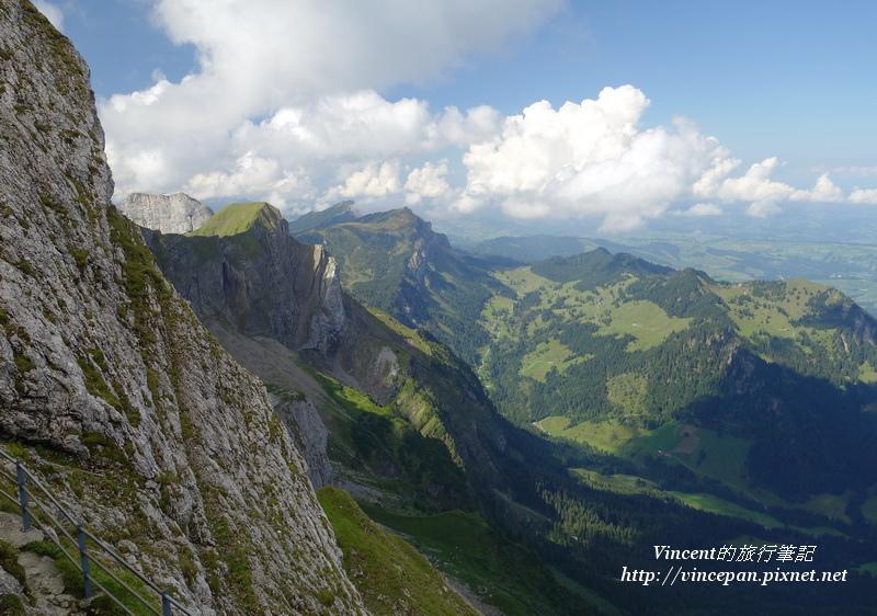Kriens一側的山體1