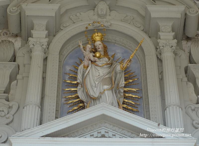 入口的聖母像