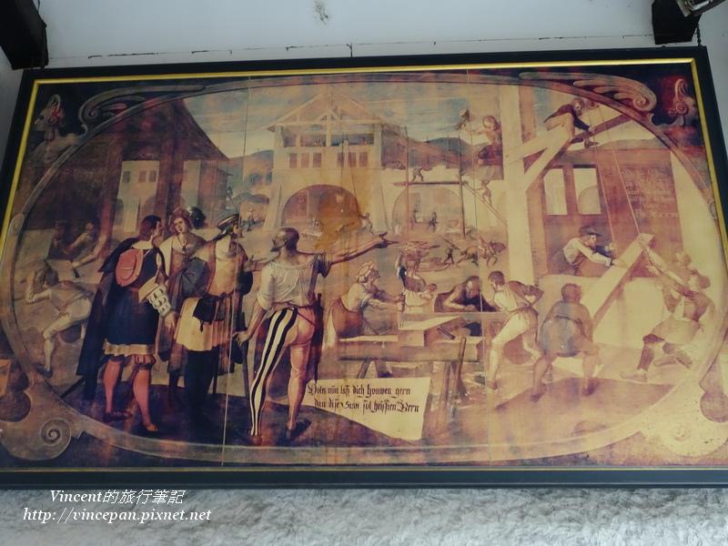 鐘塔下方的繪畫