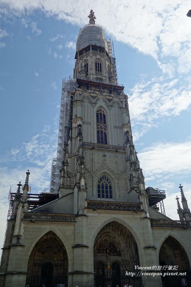 伯恩大教堂 正面