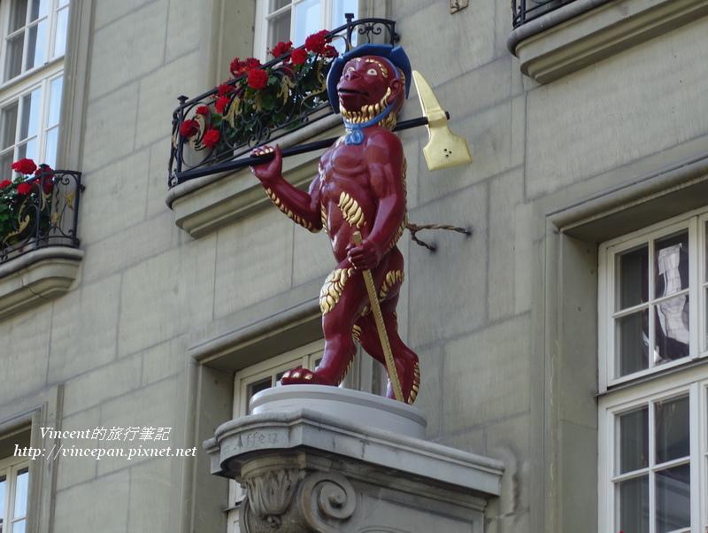 路旁的雕像2