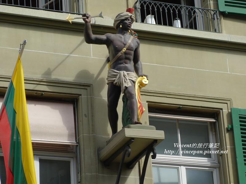 路旁的雕像1