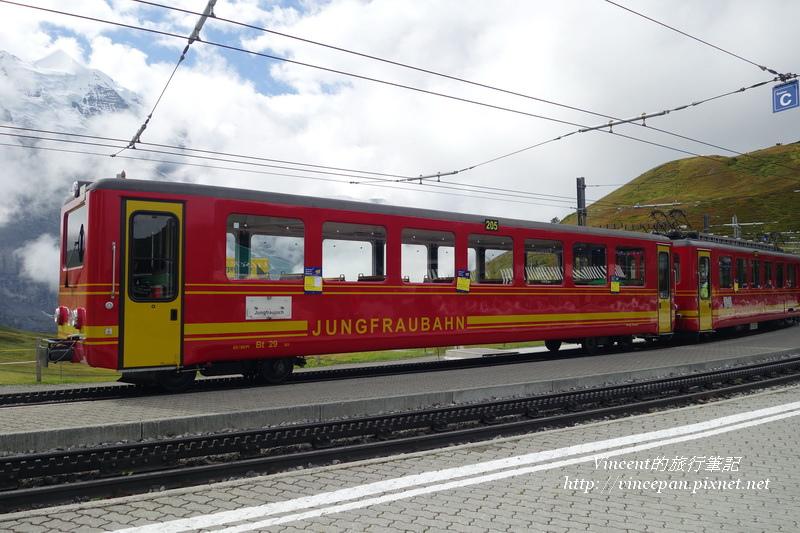 紅色的JB列車