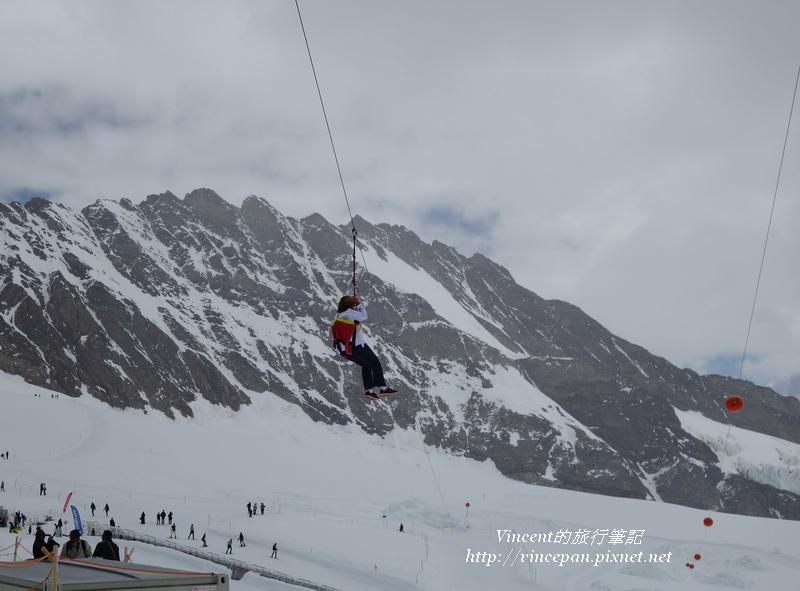 雪上空中纜繩