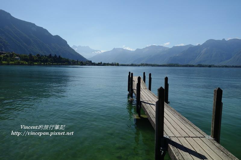 蕾夢湖木棧橋