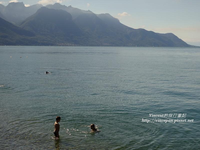蕾夢湖 游泳1