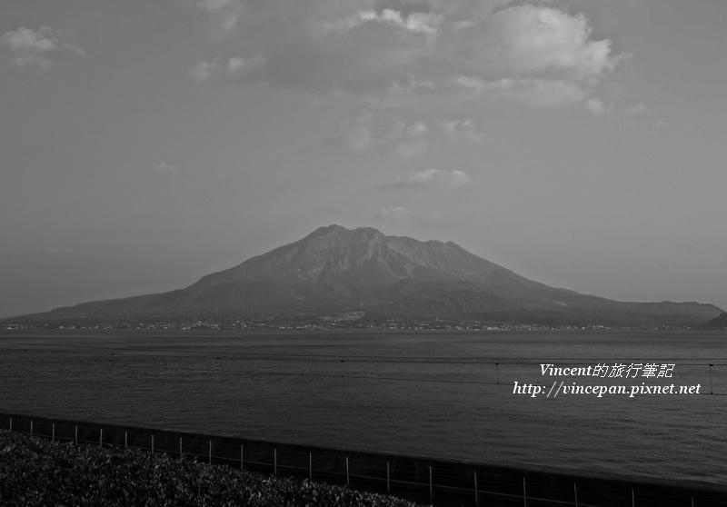 櫻島火山 黑白