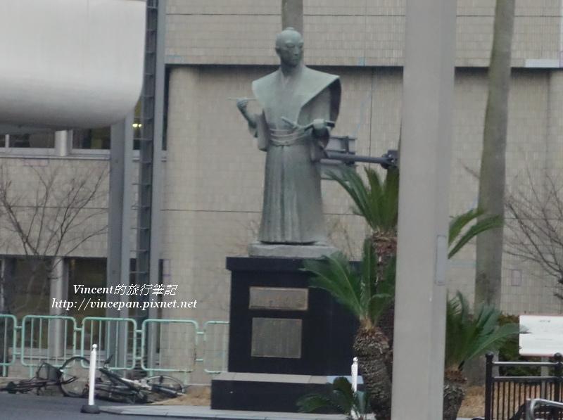 小松帶刀雕像