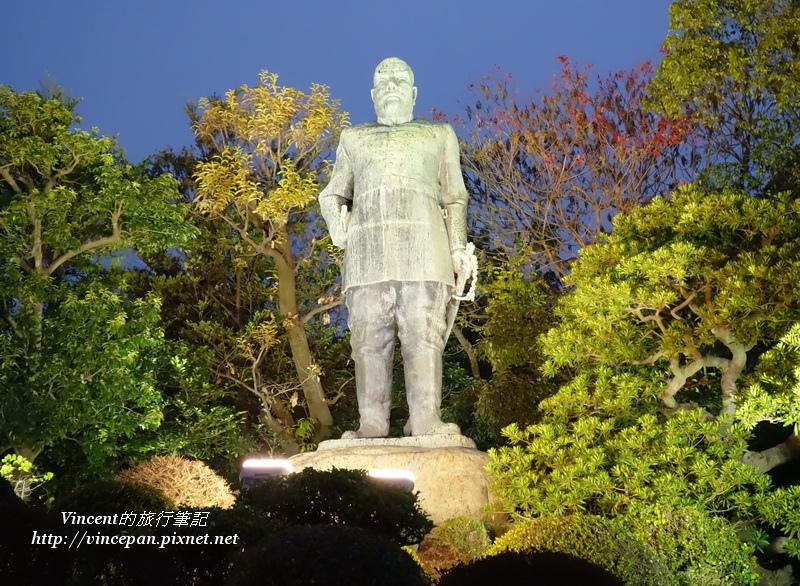 西鄉隆盛雕像 夜
