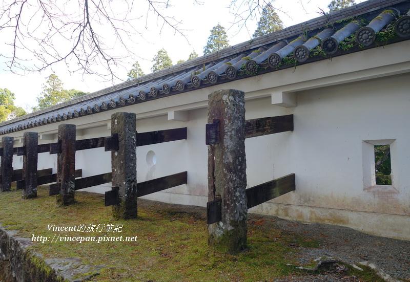 牆體與控柱的橫木