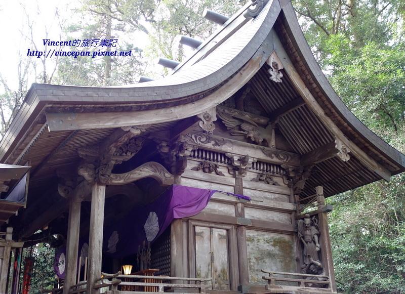 本殿的東側雕刻