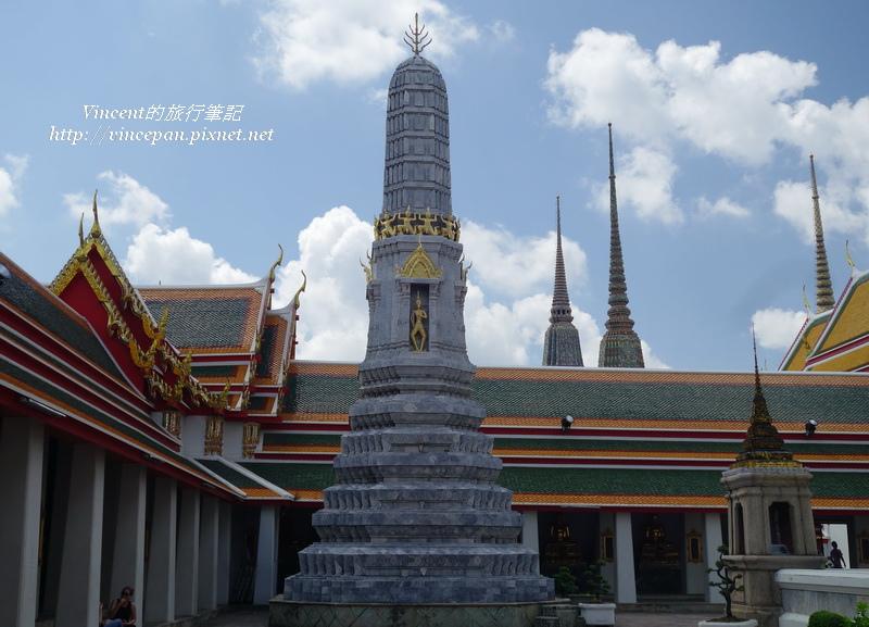 灰色高棉塔