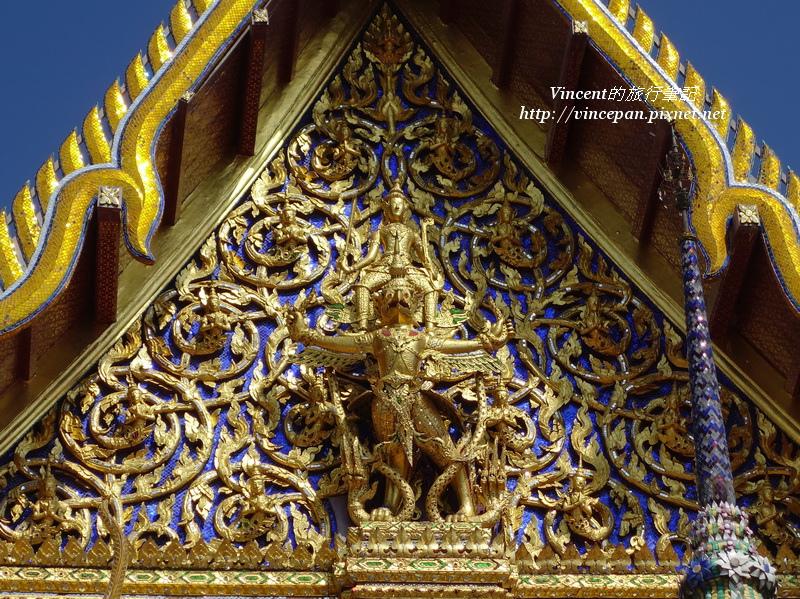 玉佛寺屋頂雕像