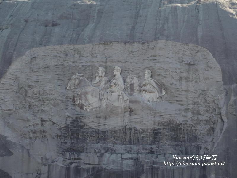 三位偉人的石雕2