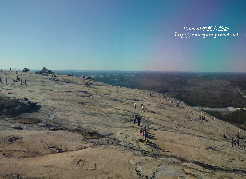 Stone Mountain上遊客1
