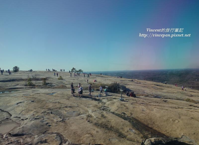 Stone Mountain上遊客2