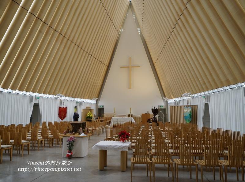 紙教堂 內部1
