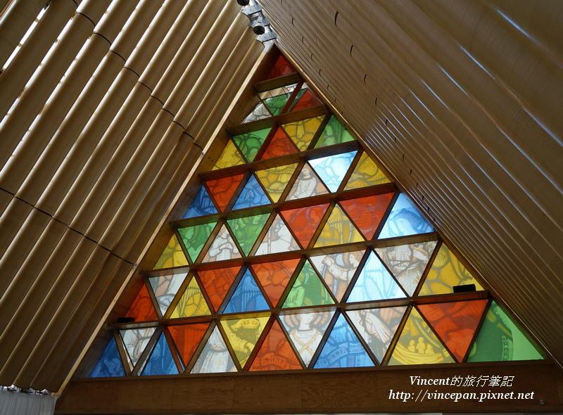 Cardboard Cathedral彩繪玻璃
