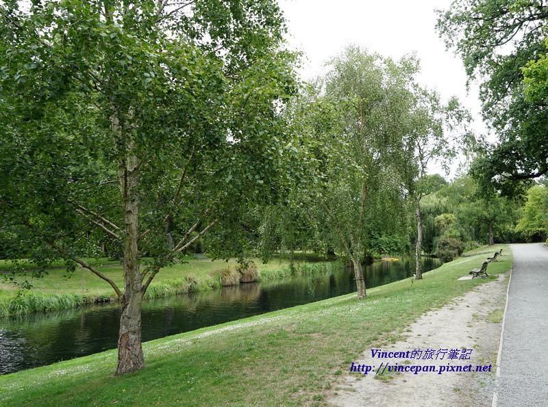 Avon River Botanic Garden河岸