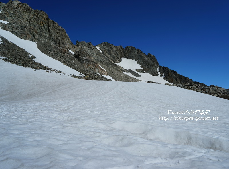 山頂的積雪