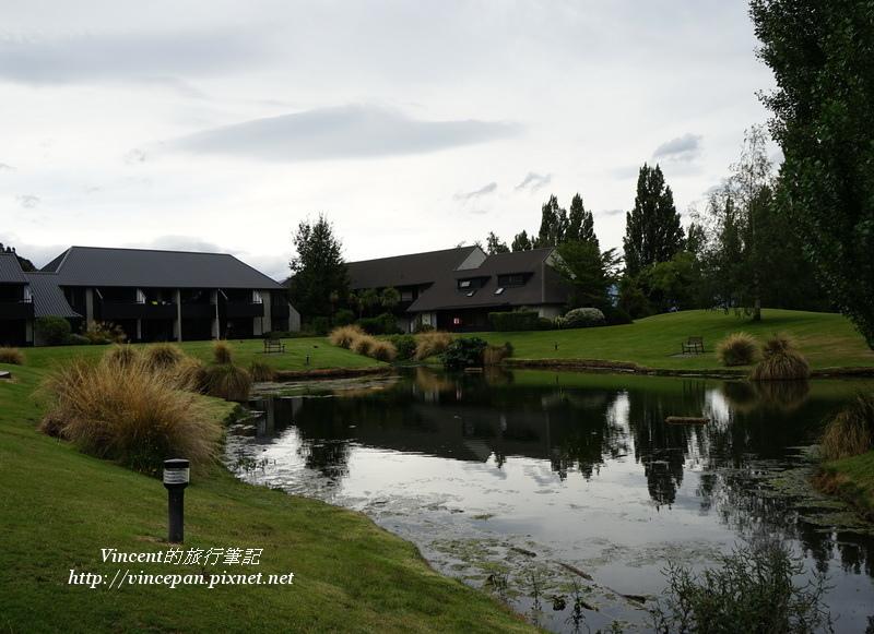 Edgewater Resort池塘