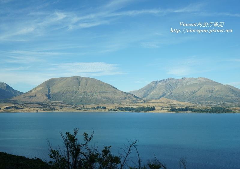 兩座山與湖