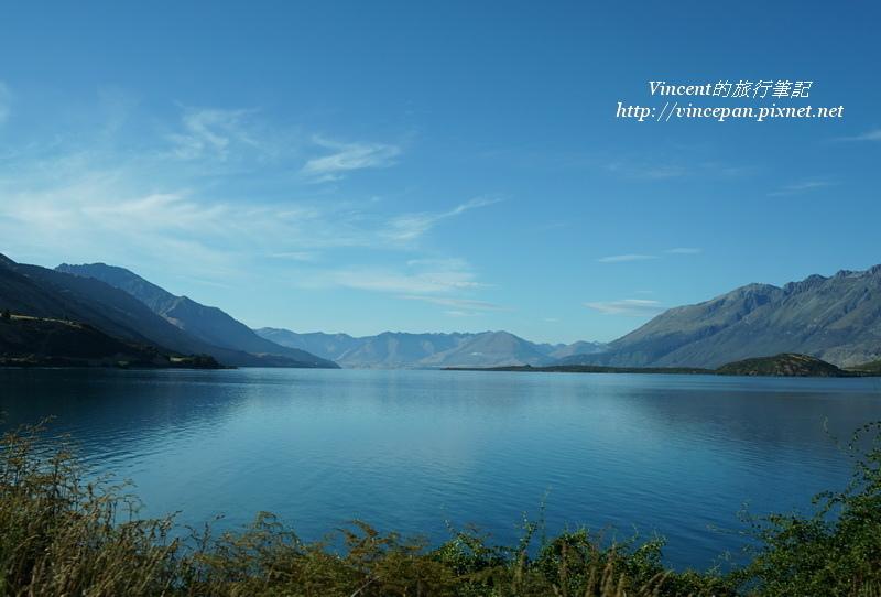 湖面 遠山