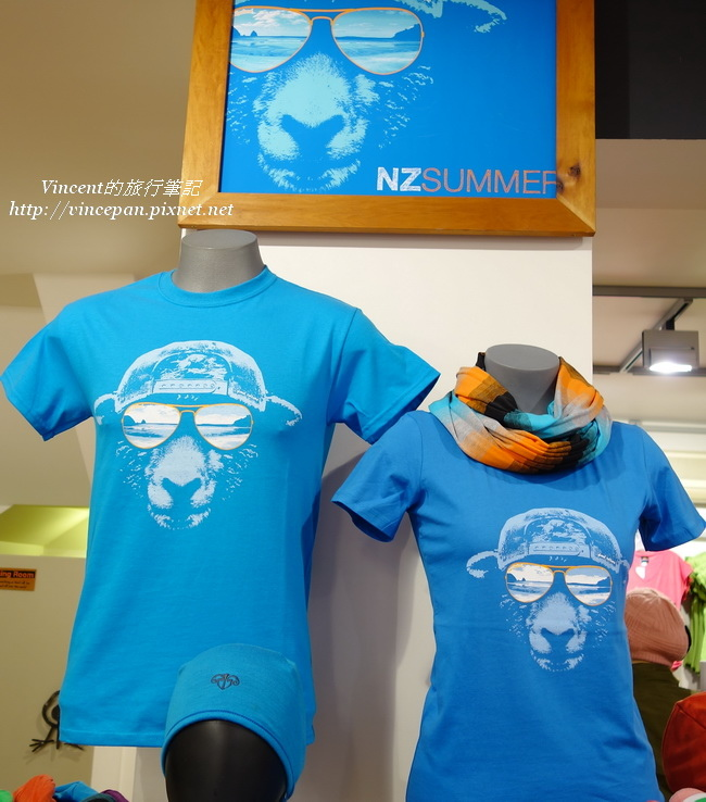 羊T-shirt