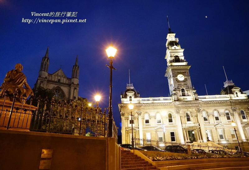 市政廳與聖保羅大教堂 夜景2