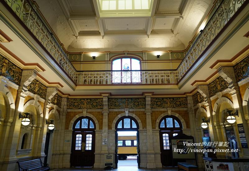 但尼丁火車站大廳