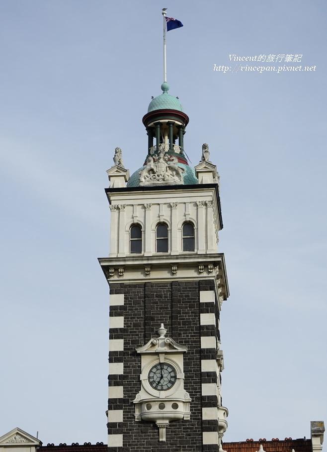 但尼丁火車站 右側塔