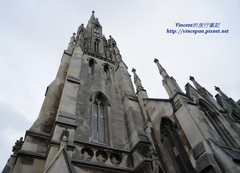 First Church鐘樓尖塔