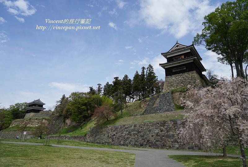 南櫓與西櫓 櫻花
