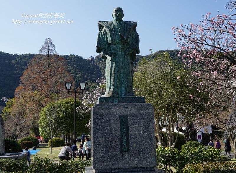 吉川廣家的雕像