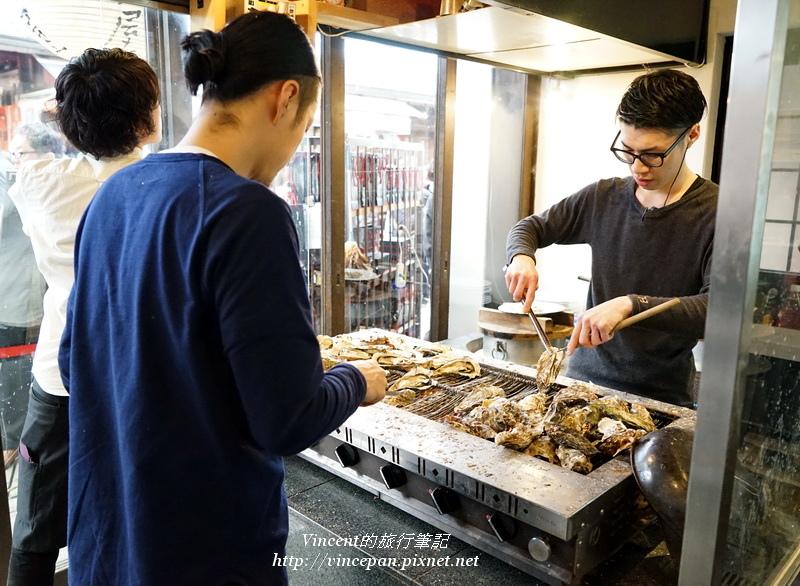 牡蠣屋門口烤牡蠣