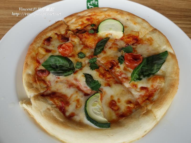 Garden Cafe pizza