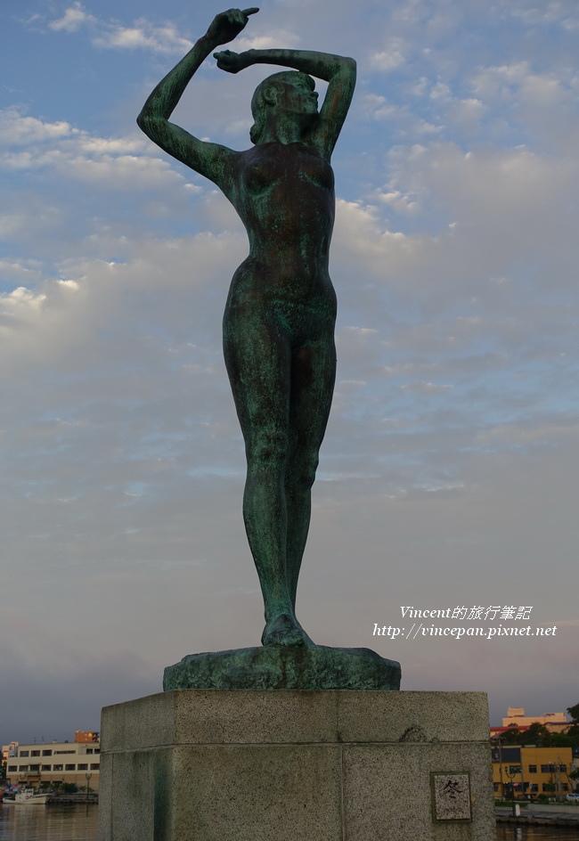 幣舞橋 冬雕像