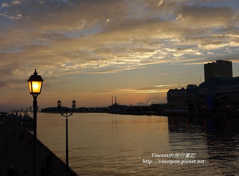 釧路港 火燒雲 燈