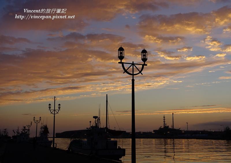 釧路港 火燒雲 路燈
