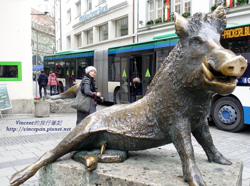 野豬的雕像