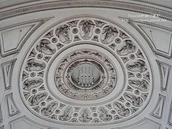 聖米歇爾教堂拱頂圖像