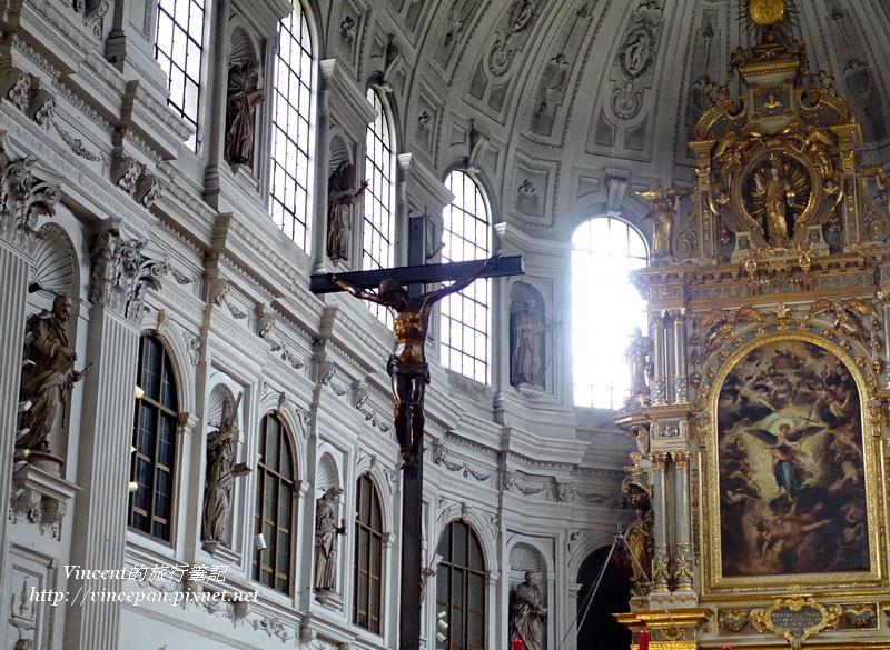 聖米歇爾教堂祭壇耶穌像