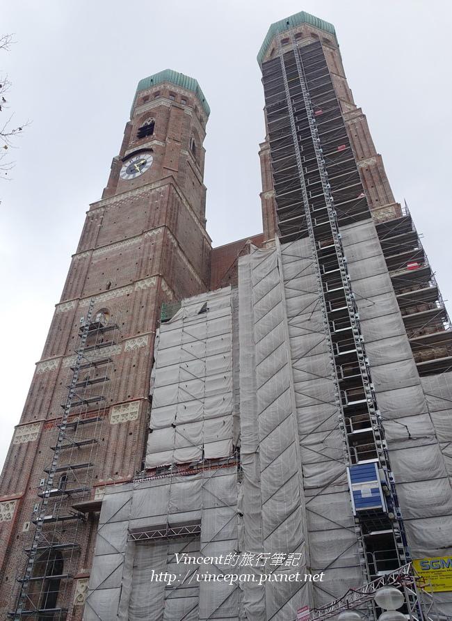 聖母主座教堂 雙鐘塔